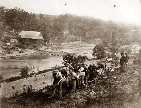Men of the 50th New York Engineers constructing road on south bank of North Anna River